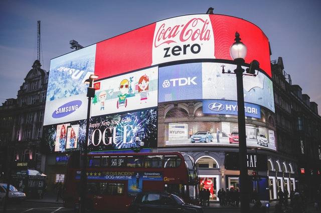 广告海报设计色彩运用技巧 广告海报如何大放异彩