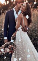 轻奢极简风高级情调浪漫唯美别致个性婚礼邀请函