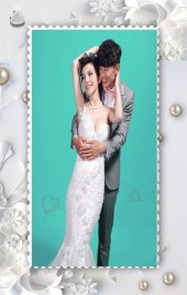 白色简约立体背景婚礼邀请函